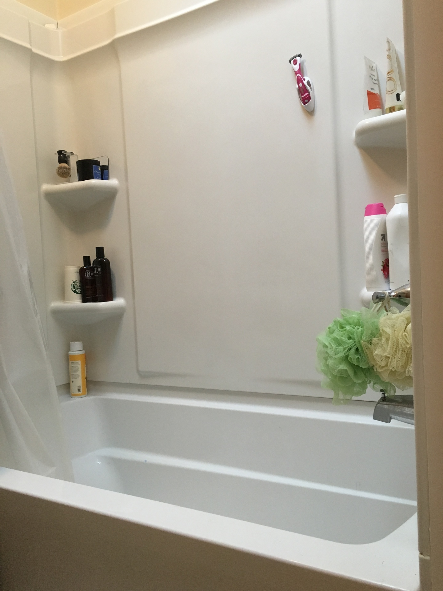 Shower/ Tub
